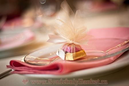 Сладкие подарки гостям на свадьбе