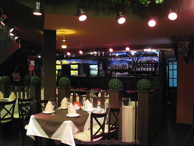 Общий зал ресторана Амстердам