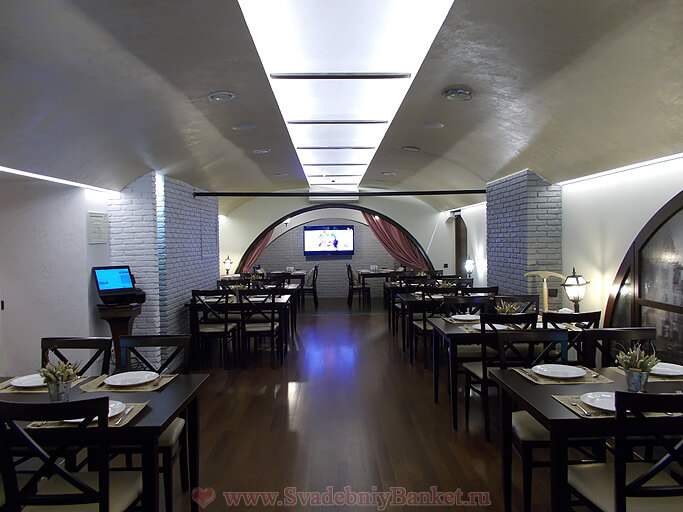 Банкетный зал ресторана Саратовъ
