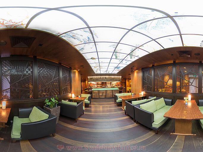 Основной зал ресторана Макото