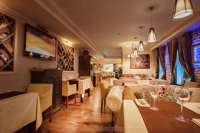 Каминный зал ресторана Лангуст