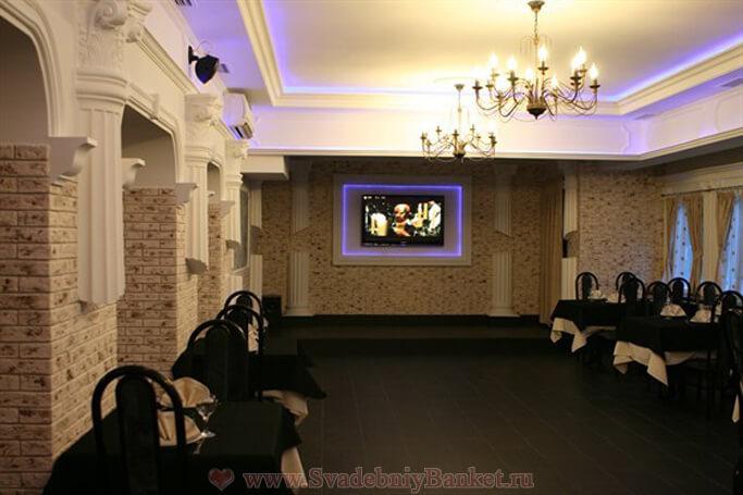 Большой зал кафе 35