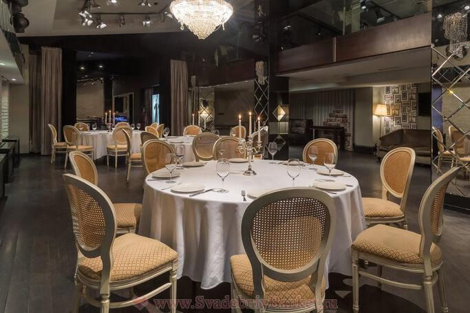 Зеркальный банкетный зал ресторана Гусятникофф