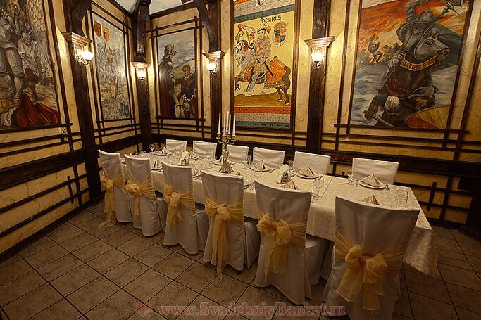 Маленький VIP-зал ресторана Старина Мюллер на Шмитовском
