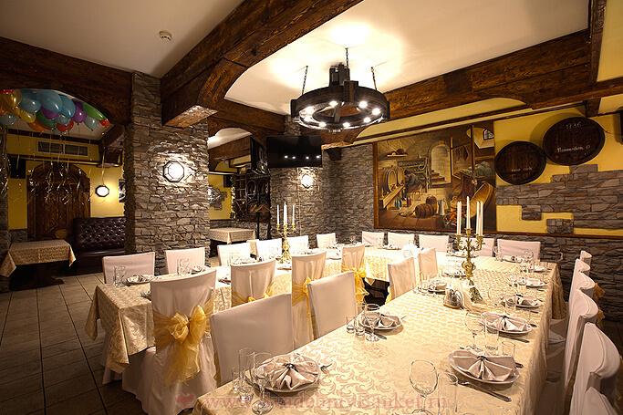 Зал Пещера ресторана Старина Мюллер на Шмитовском
