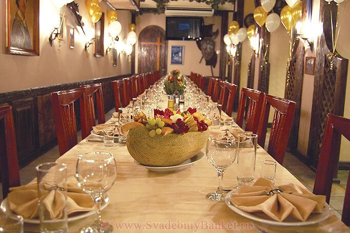 Рыцарский зал ресторана Старина Мюллер на Шмитовском