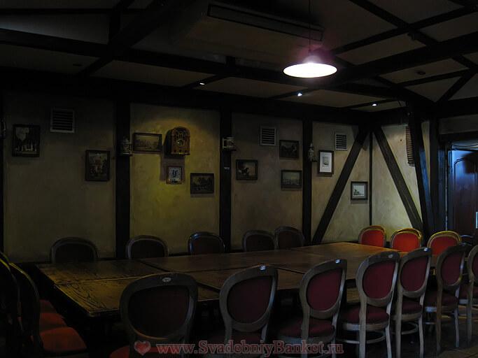 Мраморный зал ресторана Твин Пигз