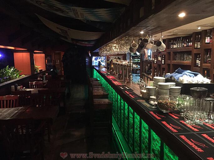 Общий зал ресторана БирШтрассе