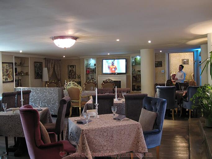 Малый зал ресторана Генацвале на Остоженке
