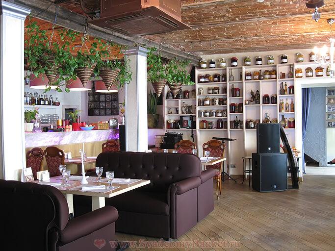 Первый зал ресторана Генацвале ВИП на Остоженке