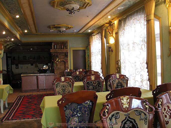 2-ой малый зал ресторана Генацвале на Арбате