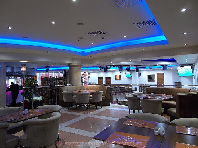 Зал ресторана Fusion Plaza