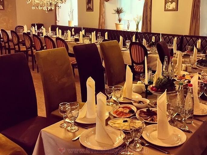 Большой зал кафе-ресторана Мацони