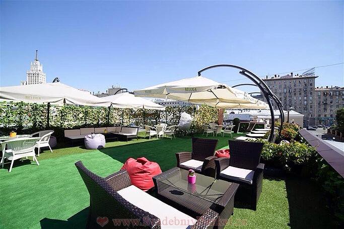 Летняя терраса на крыше ресторана Светлый