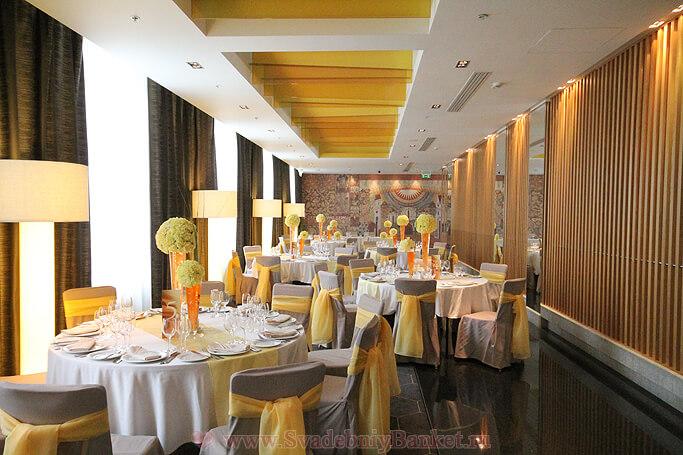 Ресторан Sanctuary отеля Холидей Инн Таганский