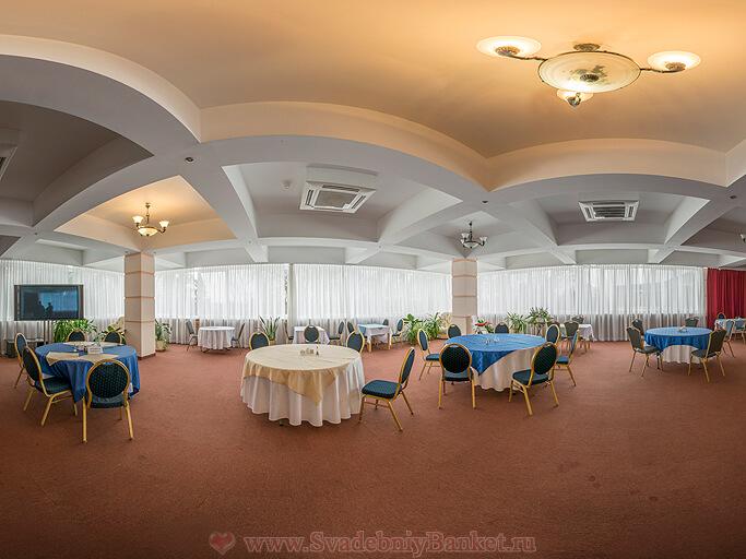 Многофункциональный зал Петровский