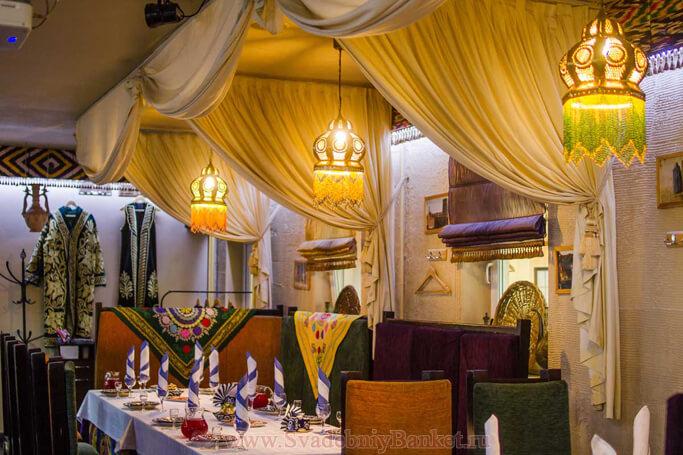 Основной зал кафе Бархан