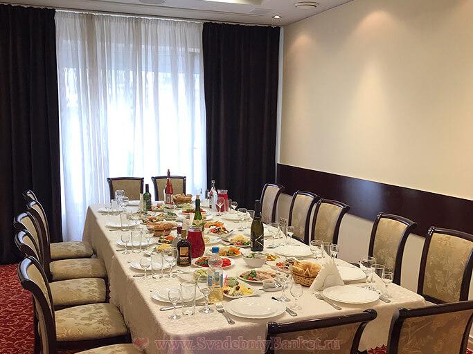 Малый зал ресторана Милана