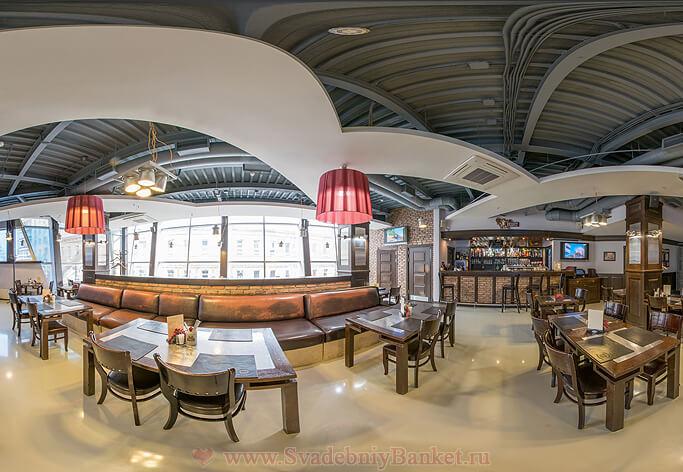 Основной панорамный зал ресторана Дубинин