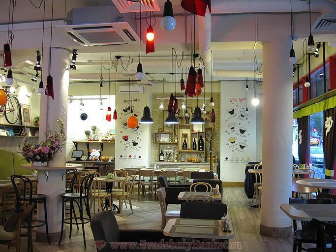 Зал кафе Дадио