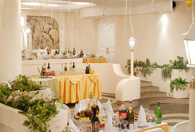 Розовый зал ресторана На Поклонной