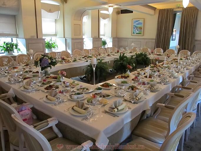 Большой зал ресторана Люсьен