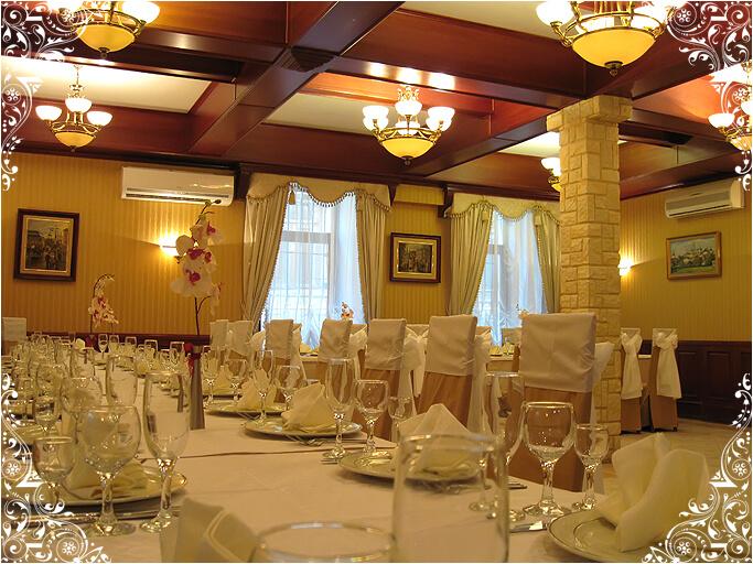 Большой банкетный зал кафе На Знаменке