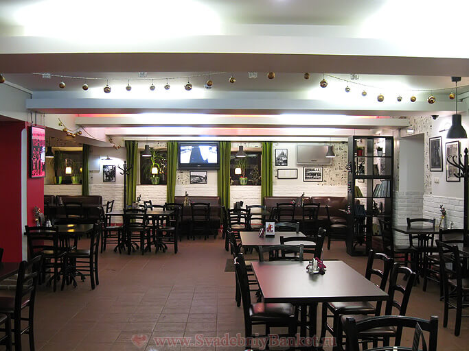 Общий зал Кафе 01