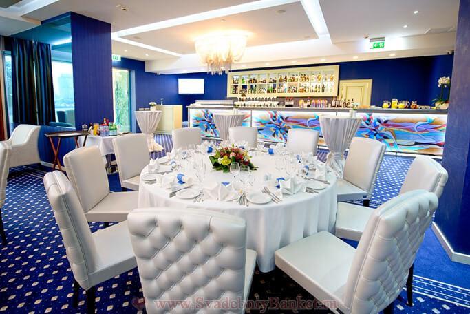 Ресторан Дорчестер в Центре Международной Торговли