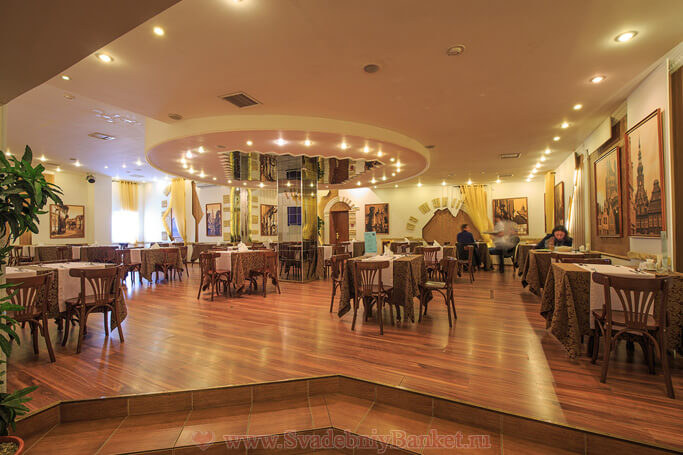 Большой зал ресторана Берлинский дворик