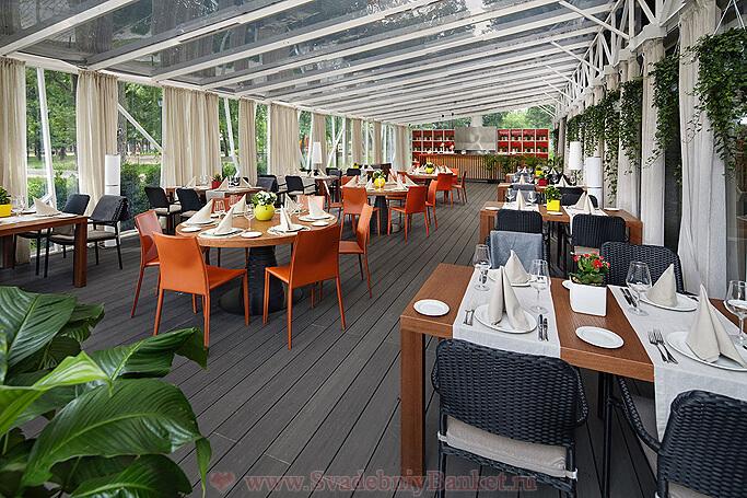 Летняя терраса ресторана Брайтон